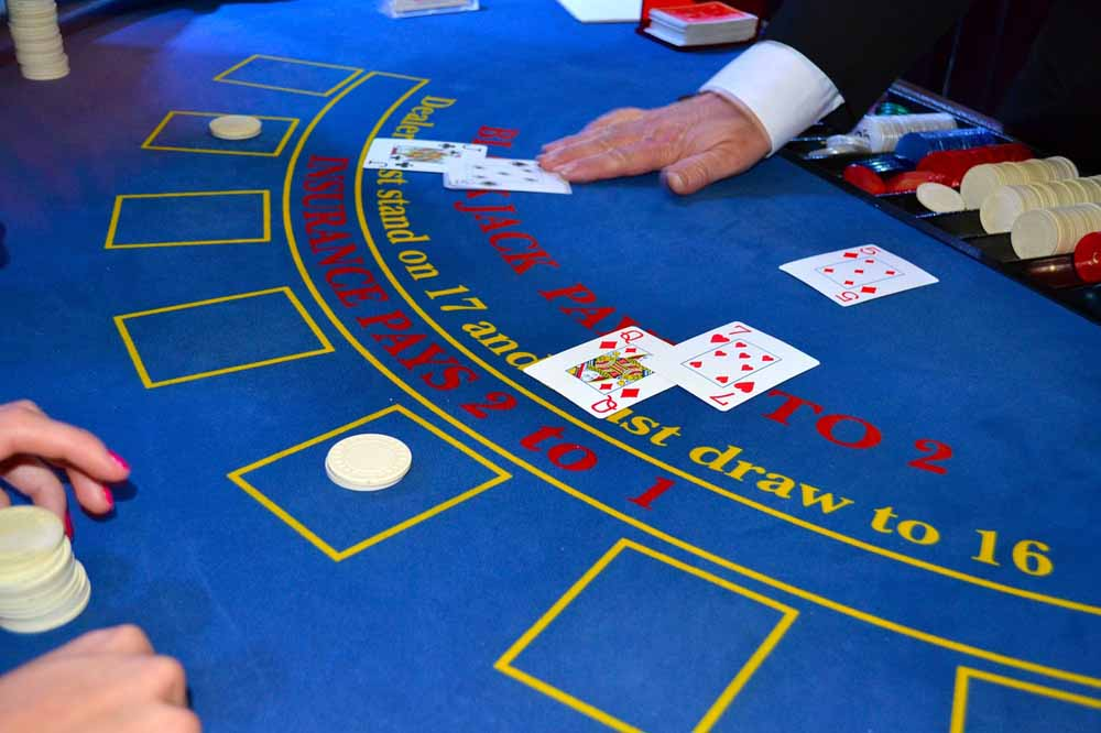 live-blackjack-me-ekplixeis-sto-online-kazino-toy-stoiximan-gr