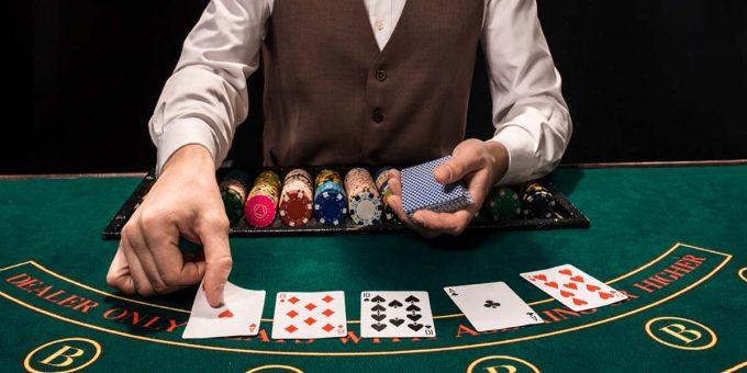 Ζωντανά καζίνο με Έλληνες ντίλερ