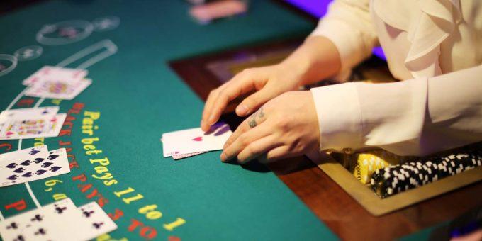 τι είναι το live casino